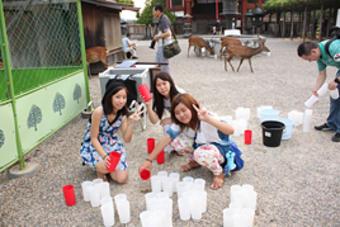奈良文化論「なら燈花会ボランティア体験」を行いました