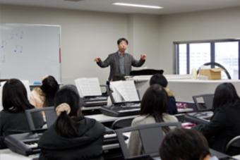 来春入学予定者のためのピアノレッスンを行いました