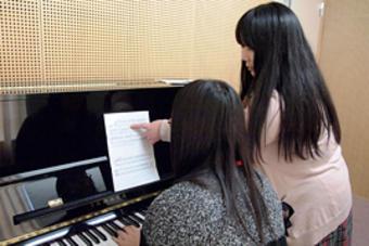 来春入学予定者のための第2回ピアノレッスンを行いました