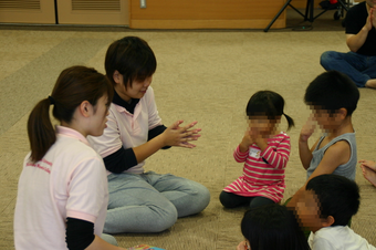 公開講座「いっしょにあそぼう3 ~親子運動会~」を開催しました