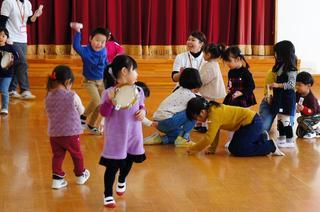 2歳児保育「おひさま・ぽっかぽか組」を開催しました