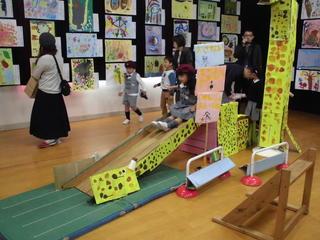 「子ども作品展」を開催しました
